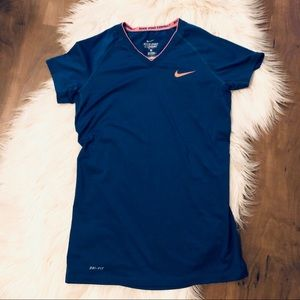 🔴 Nike Fitted Pro Short Sleeve Top